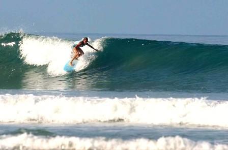 Surfing Playa Santa Teresa