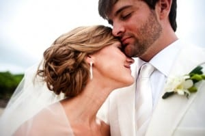 Costa Rica is a hot destination wedding location / photo by Tropical Occasions