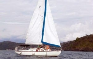 The Perla Azul sail boat tour is a peaceful, fun tour in Manuel Antonio, Costa Rica