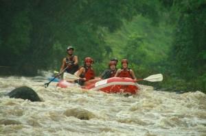 Raft the Balsa River near Volcano Arenal, Costa Rica / photo Desafio Adventures