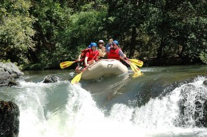 Intense rafting on the Tenorio River in Guanacaste / photo by Rios Tropicales