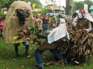 Boruca diablitos fight with Spanish bull in Fiesta de los Diablitos
