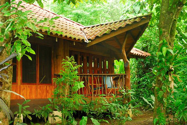 Playa Nicuesa Lodge bungalow