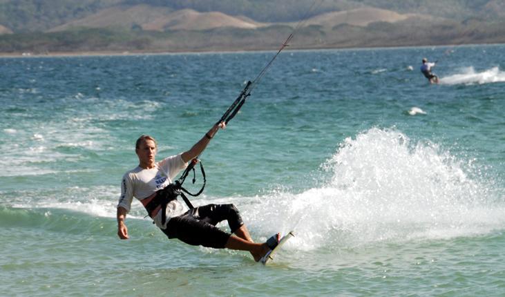 Kitesurfing Costa Rica, image by Kitecostarica.net